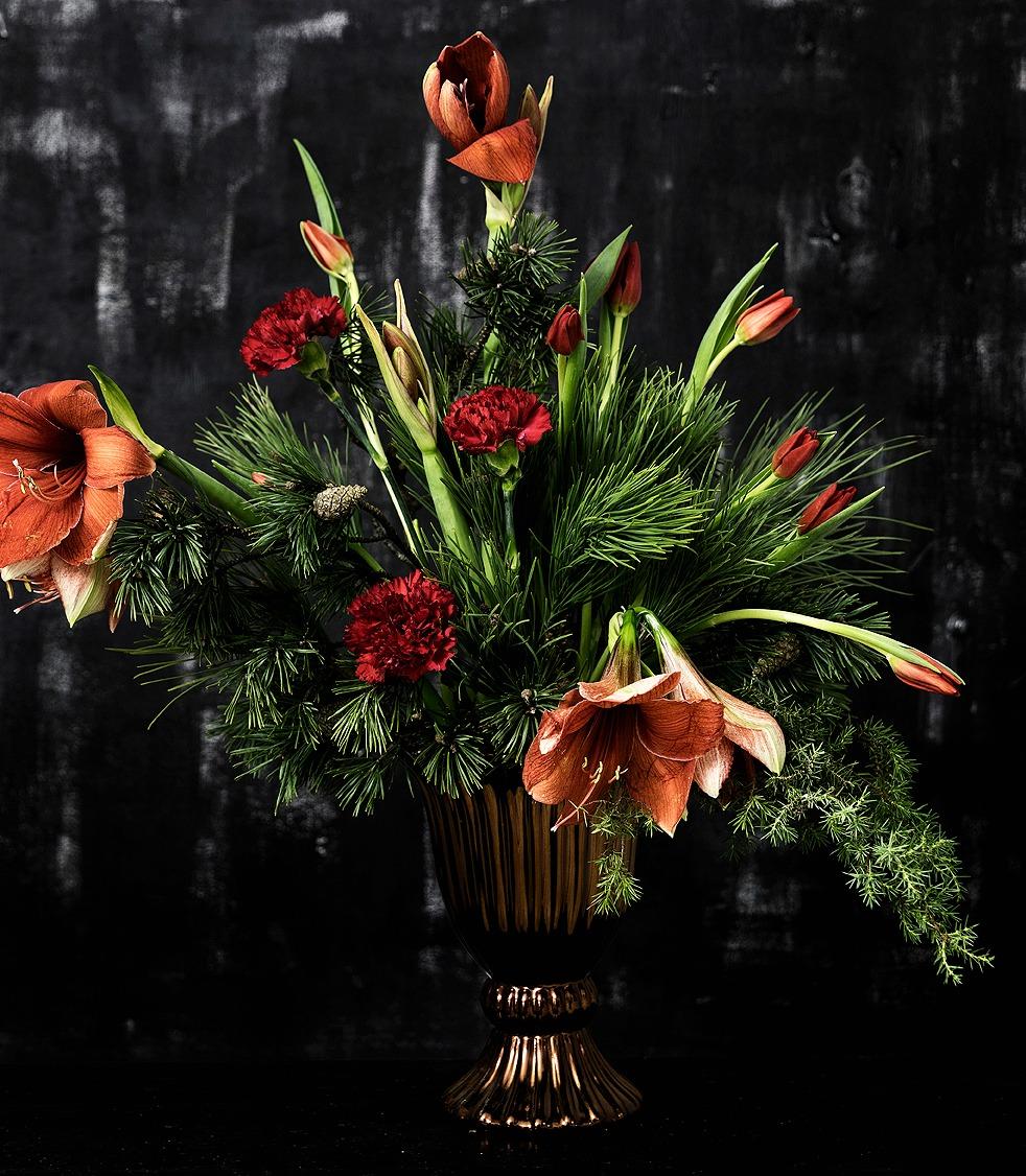 kukka-asetelma, joulu, joulukukat, Visualaddict, flowers, flower arrangement, floral art, valokuvaaja, Frida Steiner, amaryllis, neilikka, tulppaanit