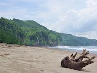 "Sine ""Pantai Indah Dengan Senyum Ramah Warga Sekitar"""