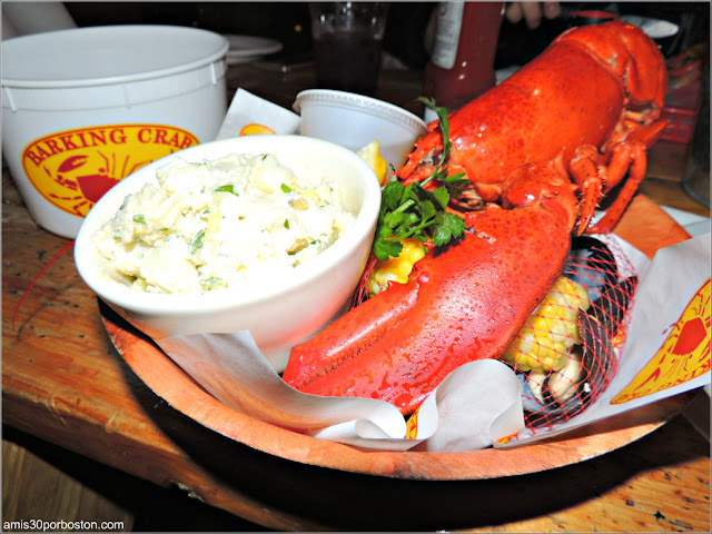 Traditional New England Clambake en el Barking Crab, Boston