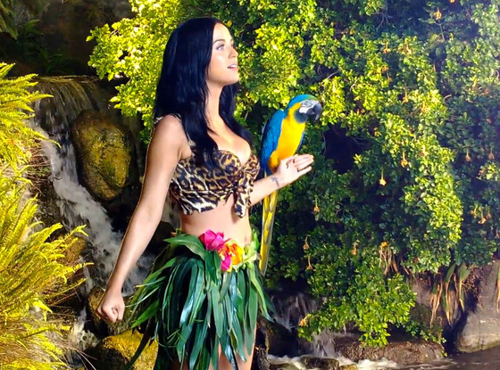 SceneSisters: Katy Perry - Roar (Official Music Video - watch now!)