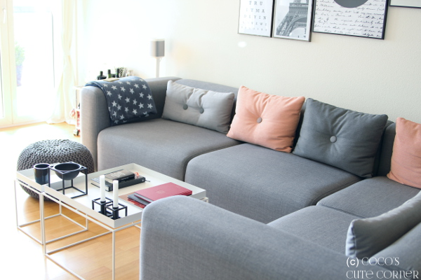 Das Sofa Wirkt Insgesamt Absolut Nicht Wuchtig Sondern Ist In Seiner  Gesamtheit Sehr Schlicht Und Nicht Dominant Auch Wenn Es Natrlich Gross Ist  With Sofa ...