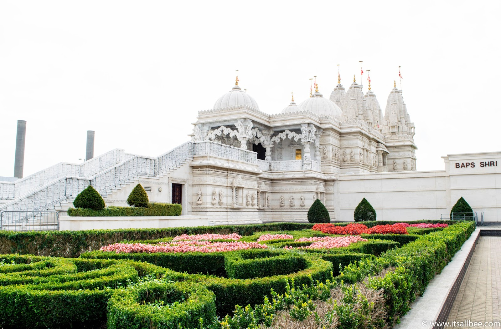 London's Insanely Beautiful Temple You Have To See - Neasden temple aka Baps Shri-Swaninarayan Mandir