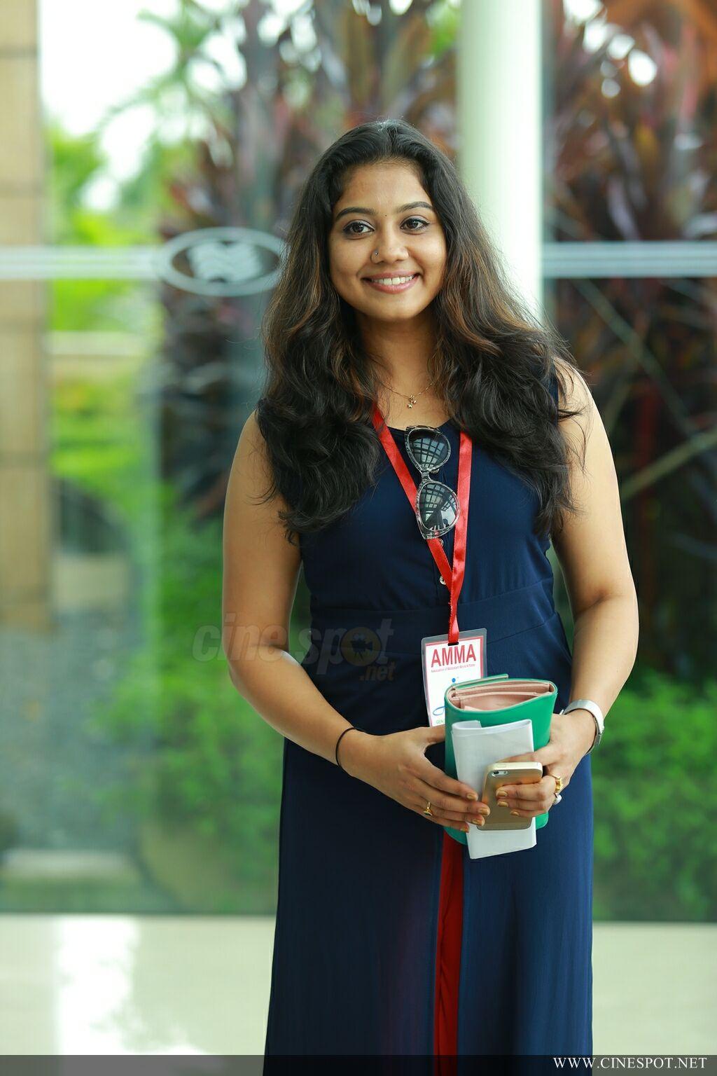Rachana Shah H0T Fitness Photoshoot - YouTube