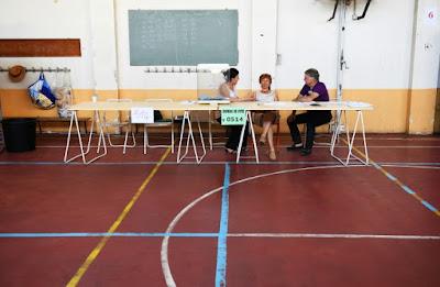 Législatives: abstention record de 57% à 58%, selon des estimations dans - DATE A RETENIR a5