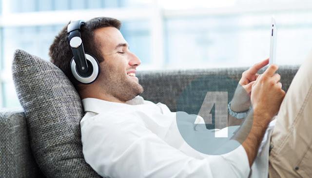 Tips Memilih Dan Menggunakan Headset Atau Earphone Yang Aman Untuk Mendengarkan Musik