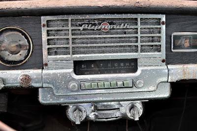 Vintage Plymouth AM car radio
