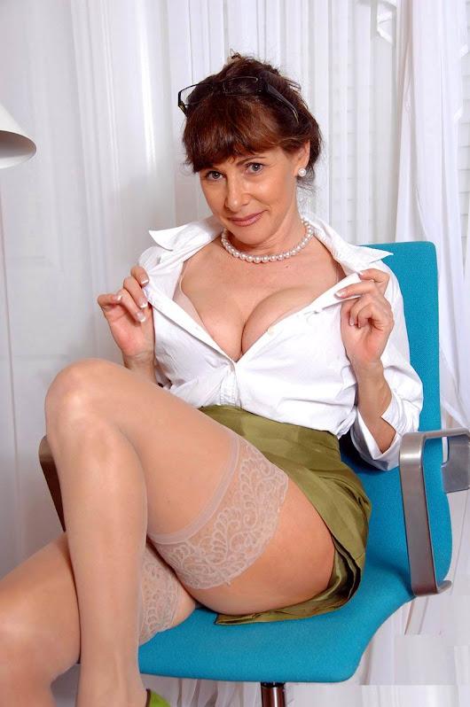 Mature women anal sex-5133