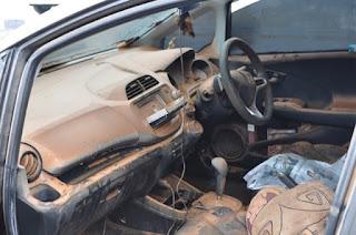 Ilustrasi Interior Mobil Kebanjiran