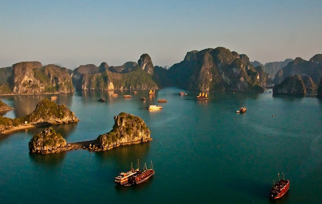 5 reasons for Ha Long Bay is the ideal destination in Vietnam 1