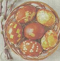 Покраска яиц в крапинку и горошек, используя луковый отвар, перловую и гречневую крупы.
