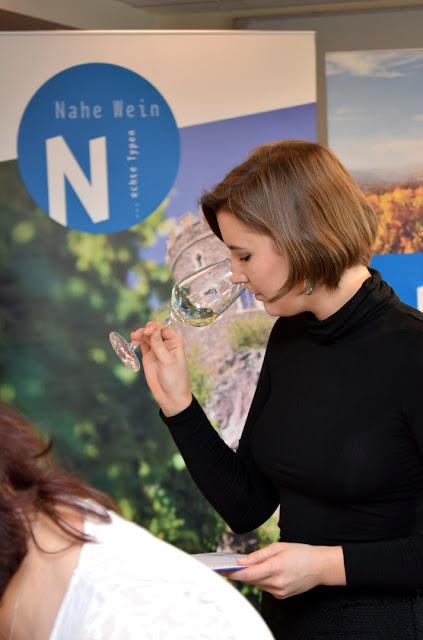 Verkostung beim Weinwettbewerb Edelschliff