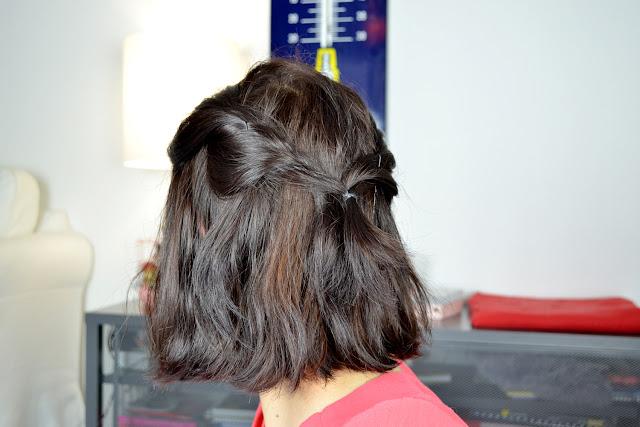 Toute de rose poudrée - tuto coiffures pour cheveux courts