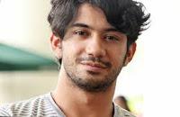 Biodata Reza Rahadian berperan sebagai Tomo Gunadi