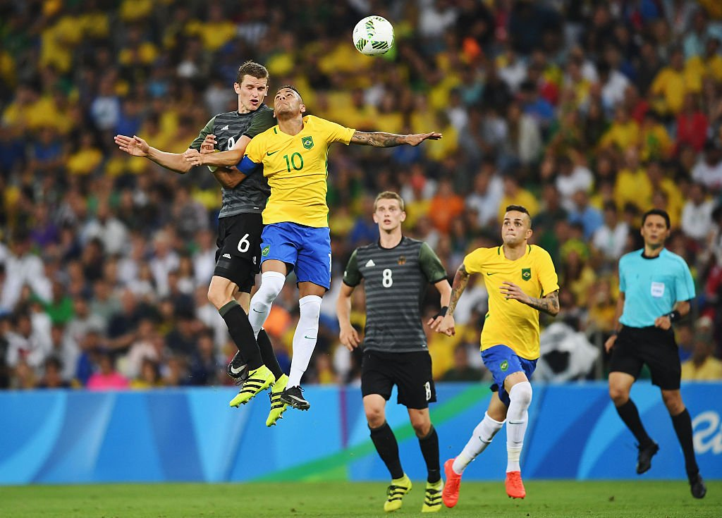 O time C da Alemanha não conseguiu superar o Brasil na grande final do  futebol nos Jogos Olímpicos do Rio de Janeiro e foi derrotada dentro do  estádio do ... d6ec6861d9111