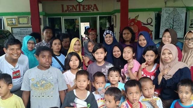 Escuela indonesia expulsa a huérfanos por miedo a que contagien el VIH a sus compañeros