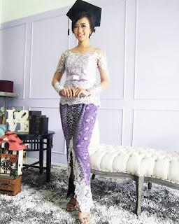 Model Kebaya Modern Wisudawati