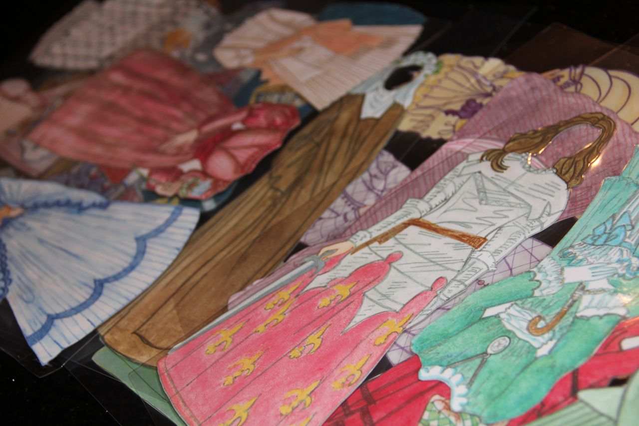 Shower of Roses: St. Therese and Her Family Paper Dolls - photo#30