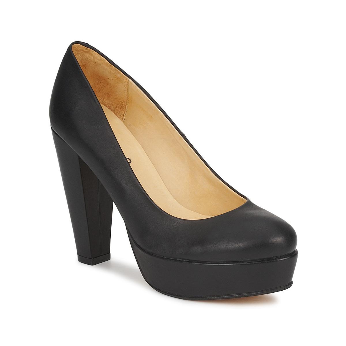 Arquivo: Sapatos pretos salto alto com compensado novos