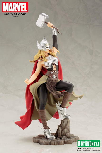 female thor figure