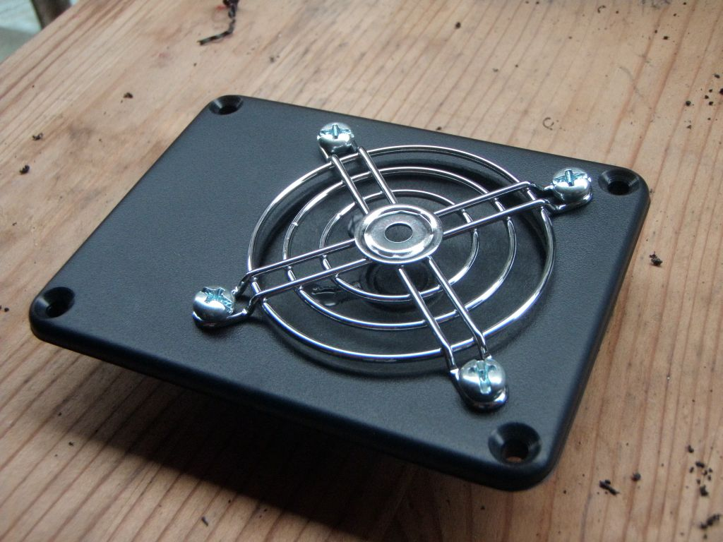 making a simple diy mini guitar amplifier diy strat and other guitar audio projects. Black Bedroom Furniture Sets. Home Design Ideas