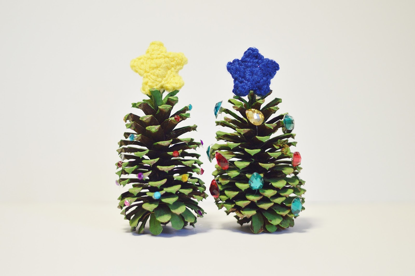 With alex crochet star pattern and diy pine cone for Pine cone xmas tree