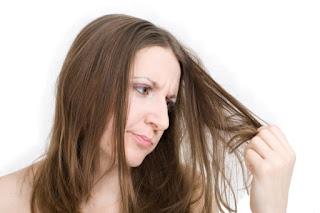4 Tips Perawatan Rambut Kering dan Kusam
