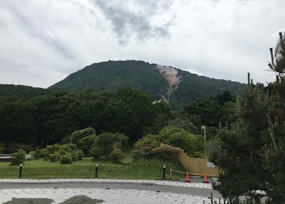 ホテル恵風駐車場から見る恵山