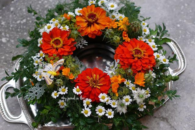 #coronita cu #flori de septembrie domnisori carciumarese nigella