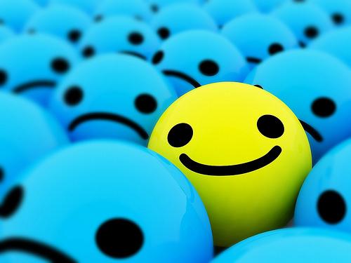 صور إيموشن الأبتسامة (الضحكة ) وكلمة SMILE  :) للفيس بوك