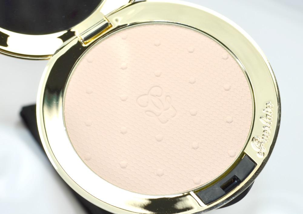 Image of the Les Voilettes powder pan