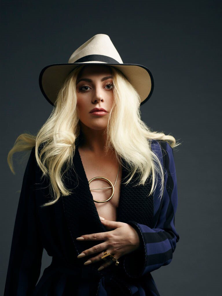 FOTOS: Nuevos outtakes del photoshoot de Lady Gaga para ... Lady Gaga