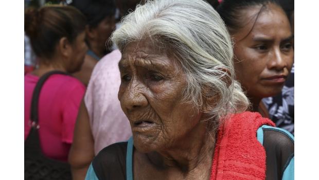 Diputados de Colima quitan pensión a adultos mayores, y se aumentan 77% de sueldo