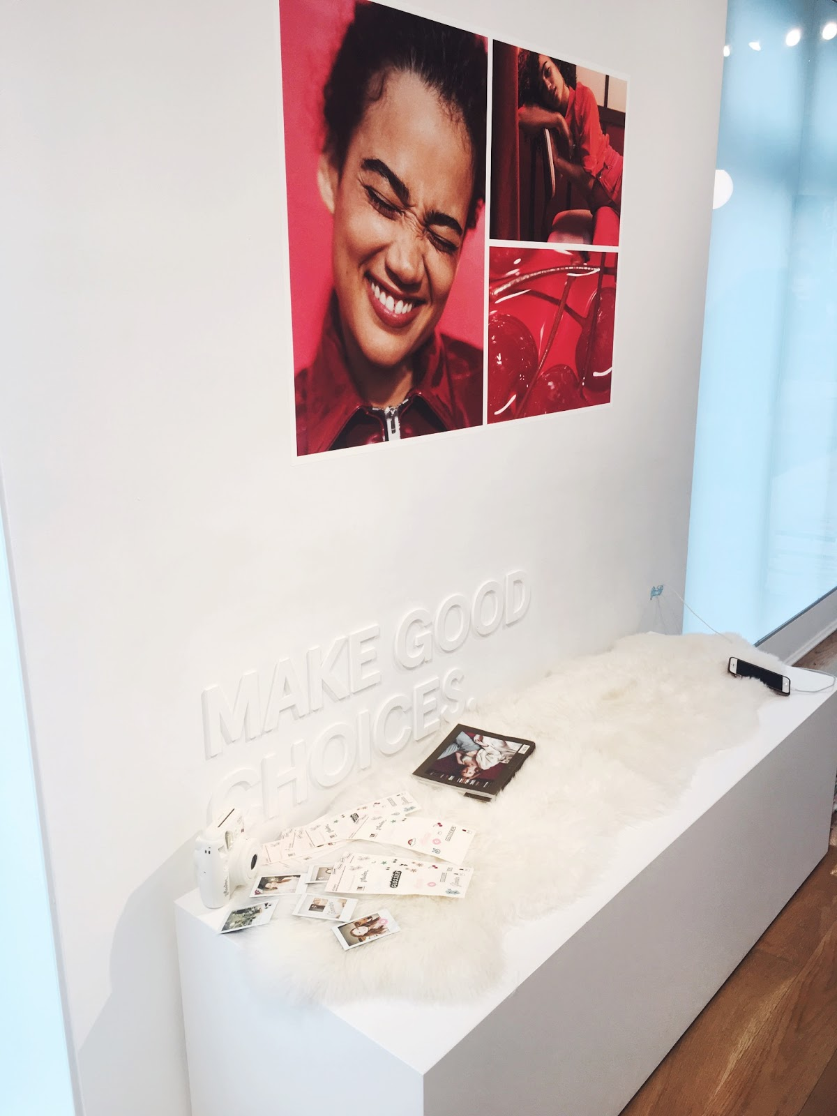 glossier showroom, glossier showroom nyc, glossier new york city showroom, glossier nyc