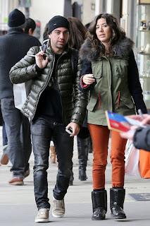 xavi and his girlfriend nuria walking
