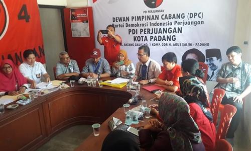 KPU Kota Padang Verifikasi Partai Golkar dan PDI Perjuangan