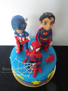 bolo aniversário herois bragança doces opçoes