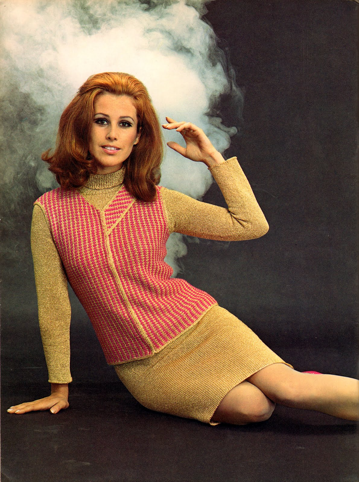 Beautiful Women's Knit Dresses That Featured on Spinnerin ...