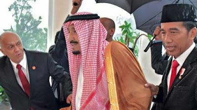 Investasi Kecil, Jokowi Menyesal Payungi Raja Salman Saat di Indonesia?