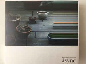 https://www.discogs.com/es/Ryuichi-Sakamoto-Async/release/10118878