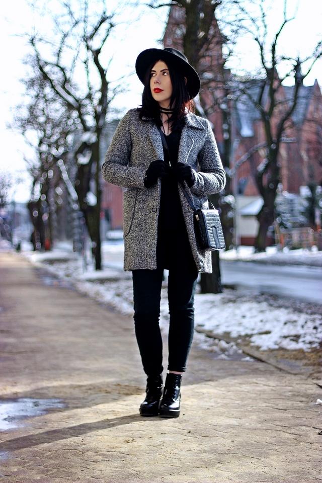 jak nosić wełniany płaszcz stylizacja