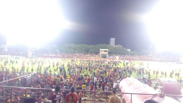 PSM kalah dengan Bali United , suporter PSM berbuat anarkis
