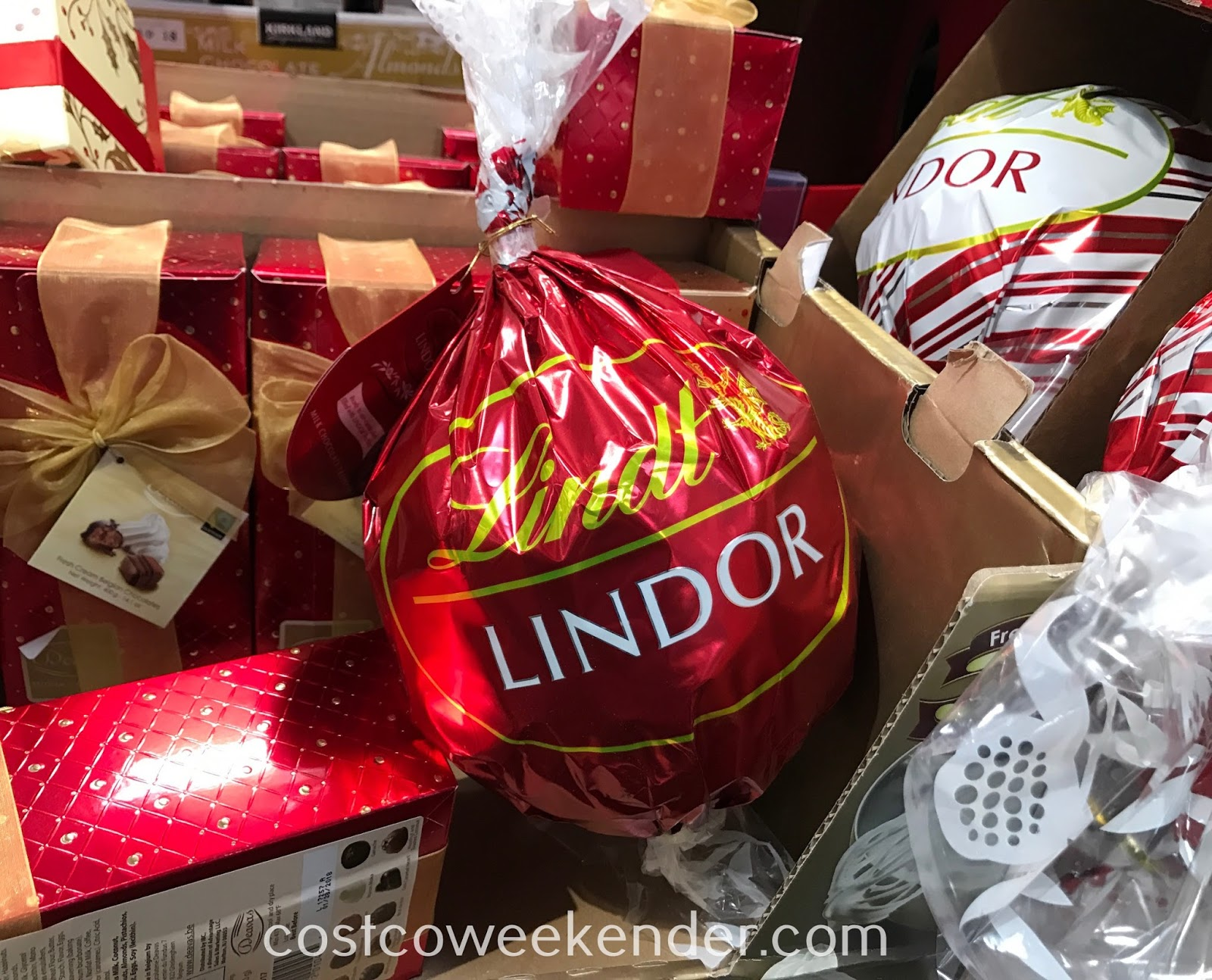 Satisfy your sweet tooth with Lindt Lindor Milk Chocolate Truffles