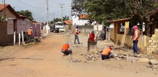 A prefeitura de Parnaíba tem intensificado o trabalho de pavimentação  poliédrica nos bairros e comunidades do município. Desta vez a comunidade a  receber ... 29b93489dcb0c