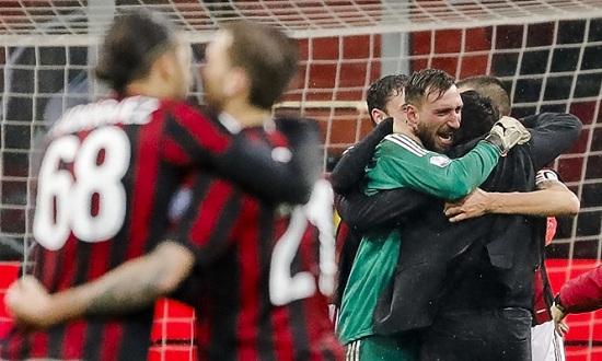 Đội hình Milan thay đổi trên ghế HLV.