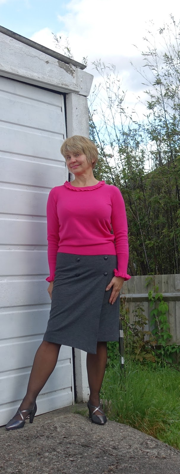 A touch of pink for autumn 2017 with Boden's Bernadette jumper and a grey skirt