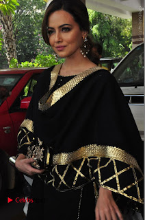 Bollywood Actress Sana Khan Launches Aakrithi Exibition  0146.JPG