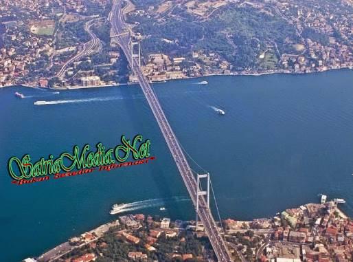 Jembatan Laut Di Kota Istanbul, Turki