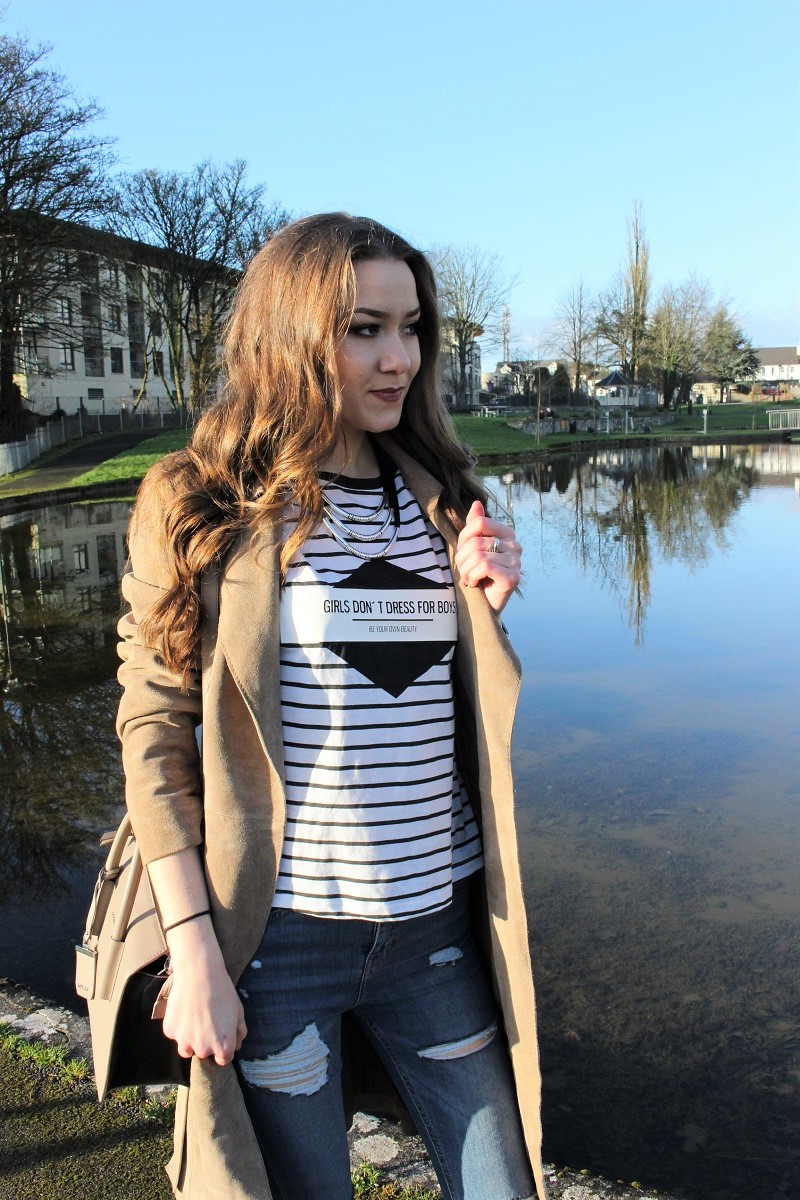 stripes, graphic t-shirt, how to style it