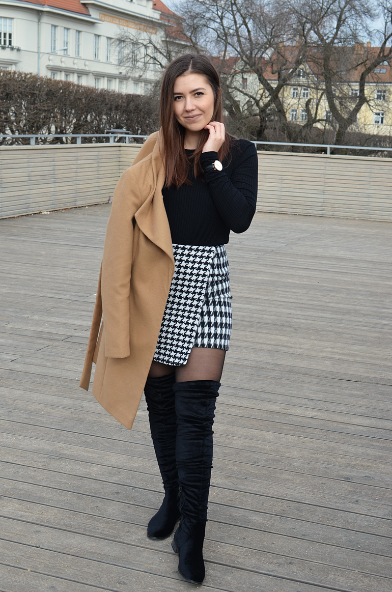OVER KNEE BOOTS & HOUNDSTOOTH SKIRT