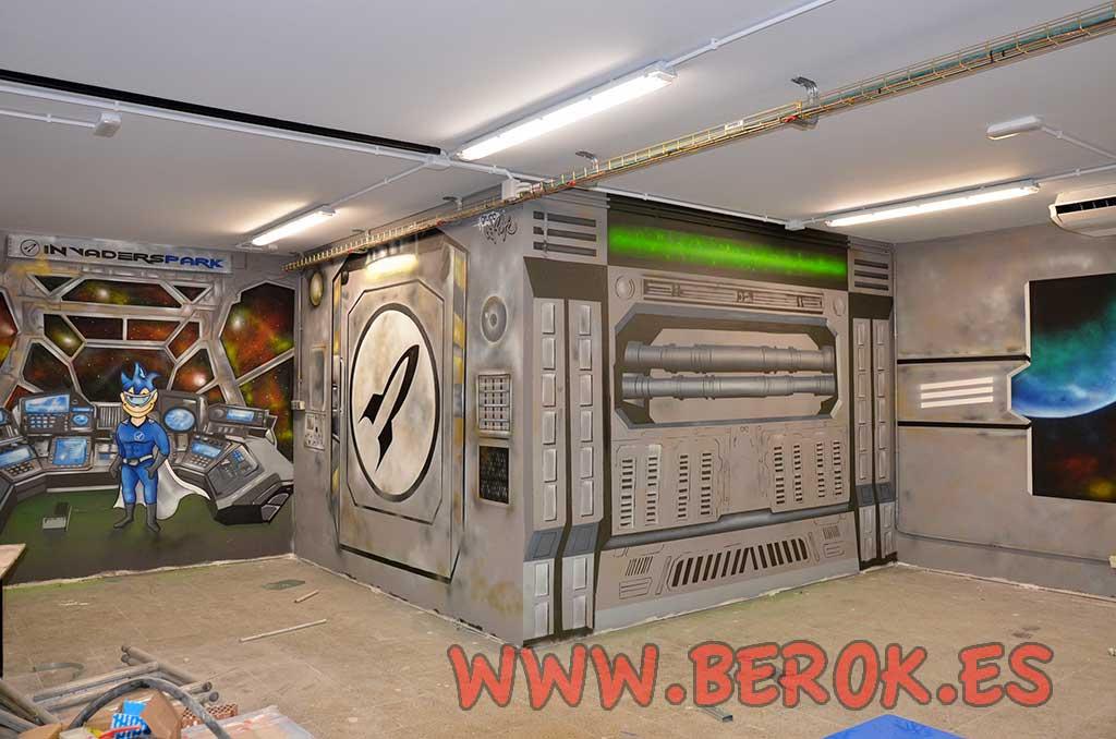 Berok graffiti mural profesional en barcelona decoraci n for Interior nave espacial